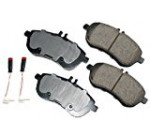 Akebono EUR1340 EURO Ultra-Premium Ceramic Front Brake Pad Set For 2008-2010 Mercedes-Benz C Class